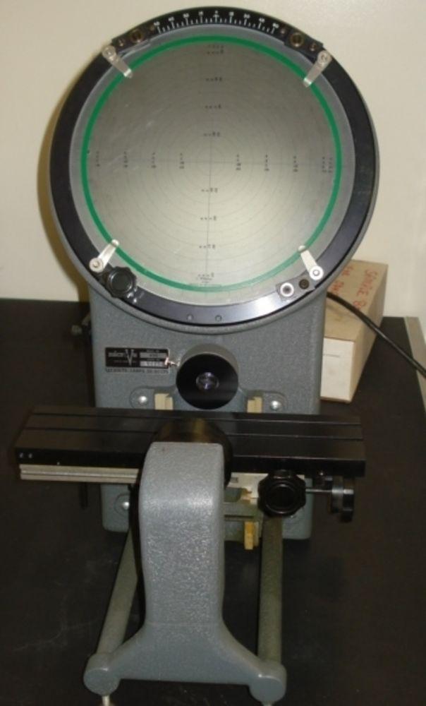 Micro Vu Model 400 Optical Comparitor