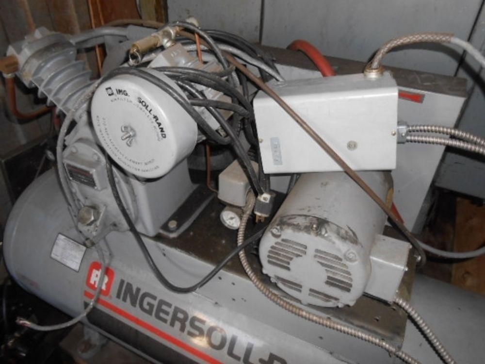 Ingersoll Rand Compressor Model T30  5hp  Model 2420d5  1997