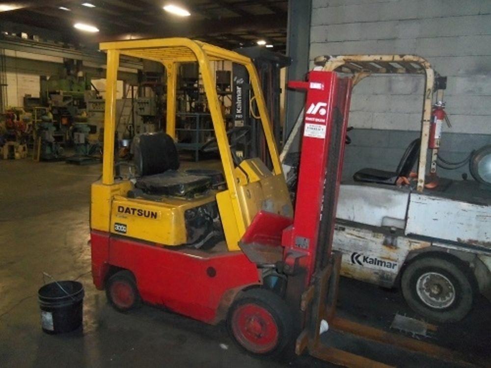 datsun 3000lb forklift model cf01 type lp for sale rh globalmachinebrokers com Nissan 50 Forklift Manual Nissan 50 Forklift Manual