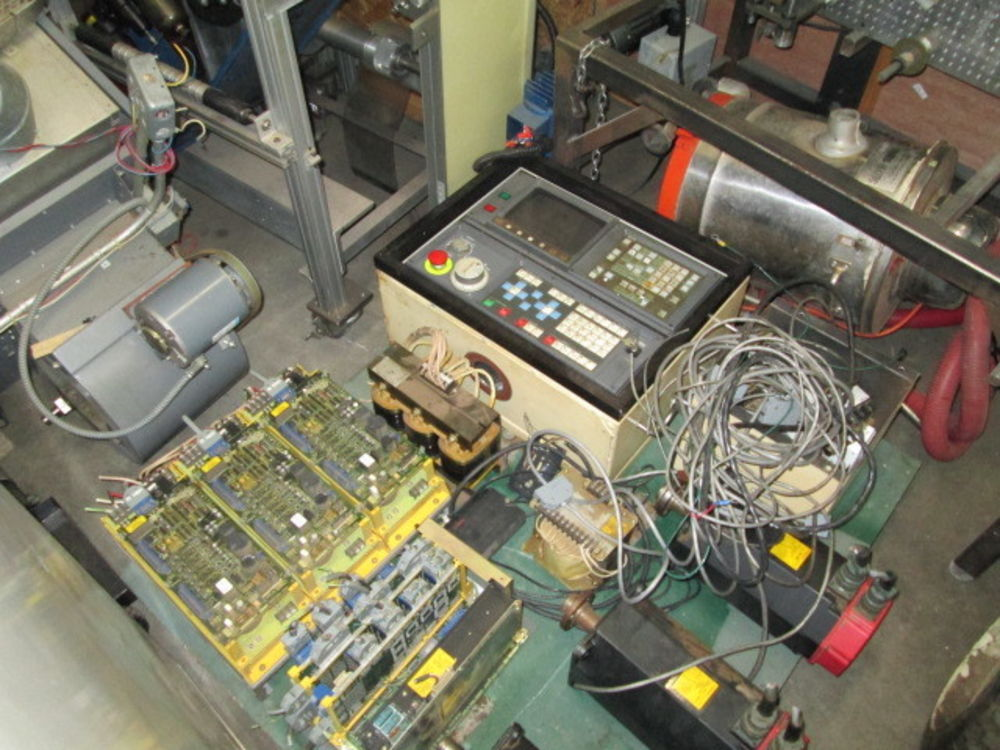 Fanuc OM CNC Control & Servo Motors From Vertical Machining