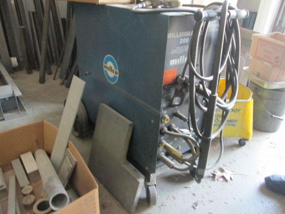 Miller Millermatic 200 Mig Welder W/Aluminum Spool Gun 200